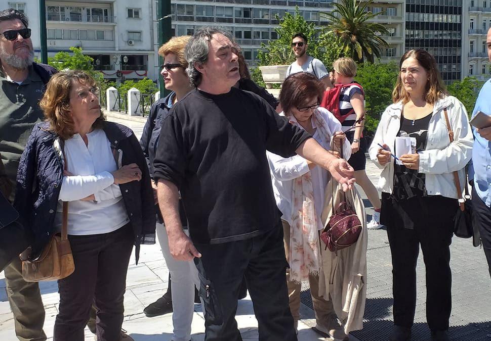 Ιστορικός περίπατος μνήμης και γνώσης:  Το «Μέτωπο Ανατροπής για την Αθήνα» τίμησε τη μνήμη των αγωνιστών που θυσιάστηκαν για Ελευθερία, Δημοκρατία, Ειρήνη και εργατικά δικαιώματα
