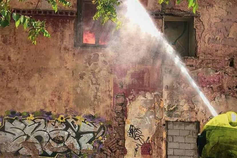Βίλα Κλωναρίδη: Οι κάτοικοι των Πατησίων καταγγέλλουν τη δημοτική αρχή για αδιαφορία και καλούν σε κινητοποίηση